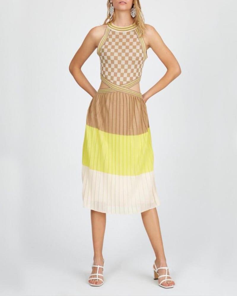 Γυναικείο φόρεμα λεπτής πλέξης με συνδυασμό σχημάτων 78% βισκόζη