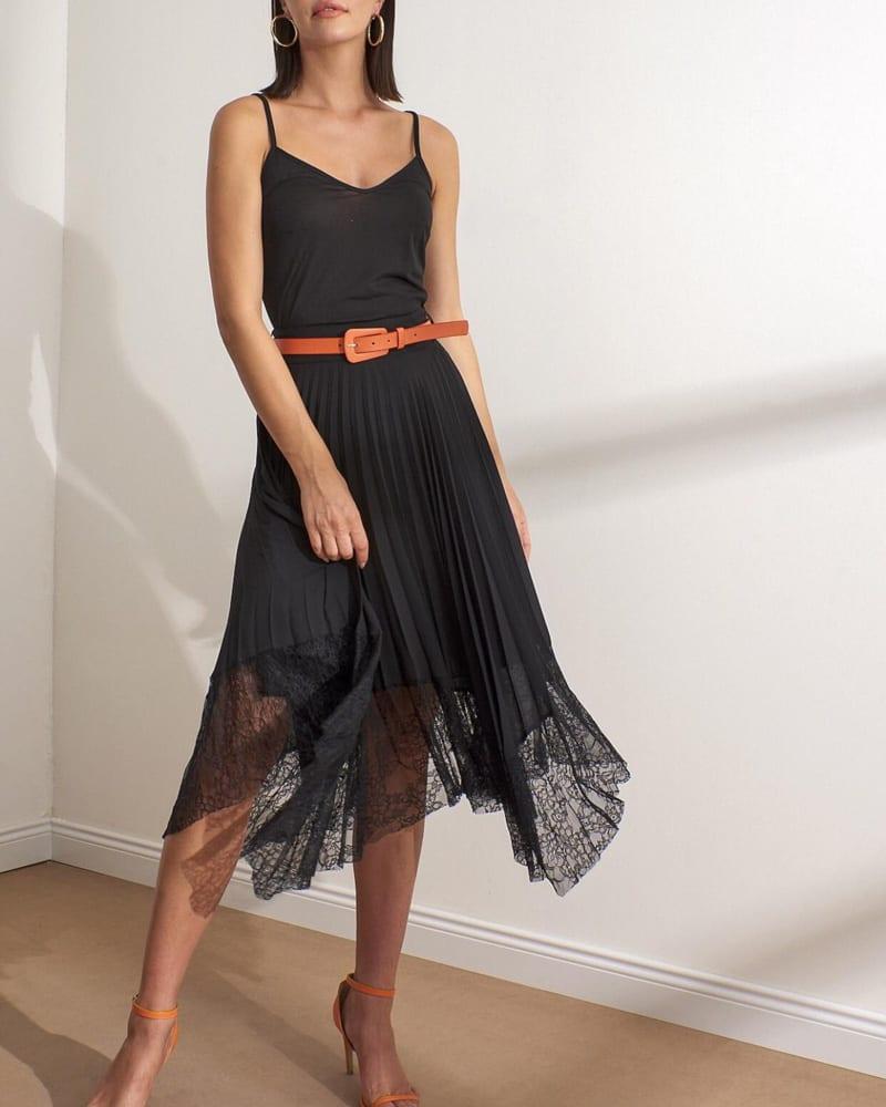 Πλισέ γυναικεία φούστα με δαντέλα στο κάτω μέρος 100% πολυεστερ